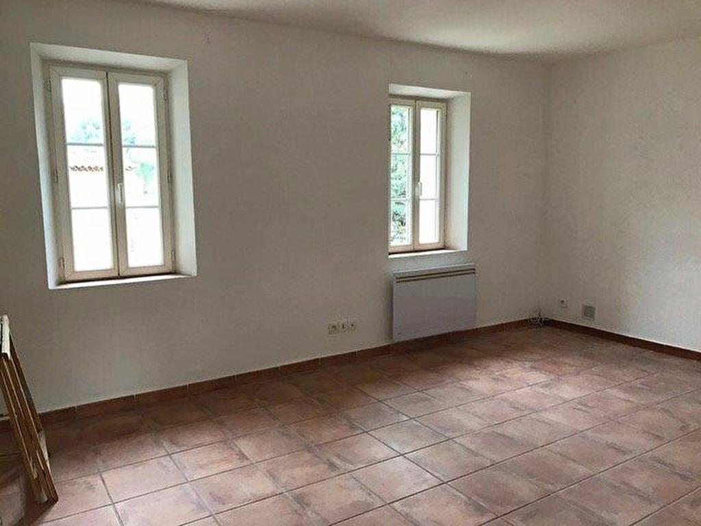 Appartement à louer 3 70m2 à Évenos vignette-5