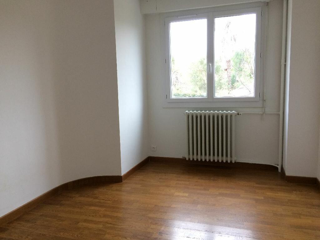 Appartement à louer 3 78.3m2 à Toulon vignette-5