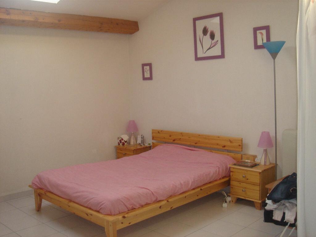 Appartement à louer 2 55m2 à Le Beausset vignette-2