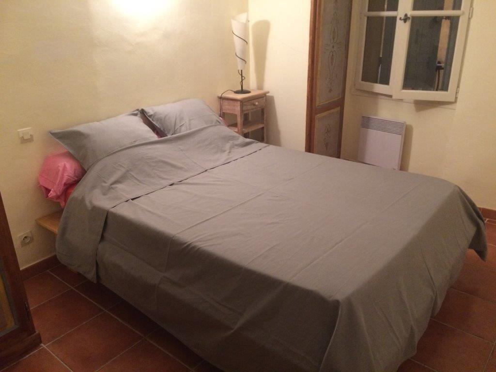 Maison à louer 5 110m2 à La Cadière-d'Azur vignette-7