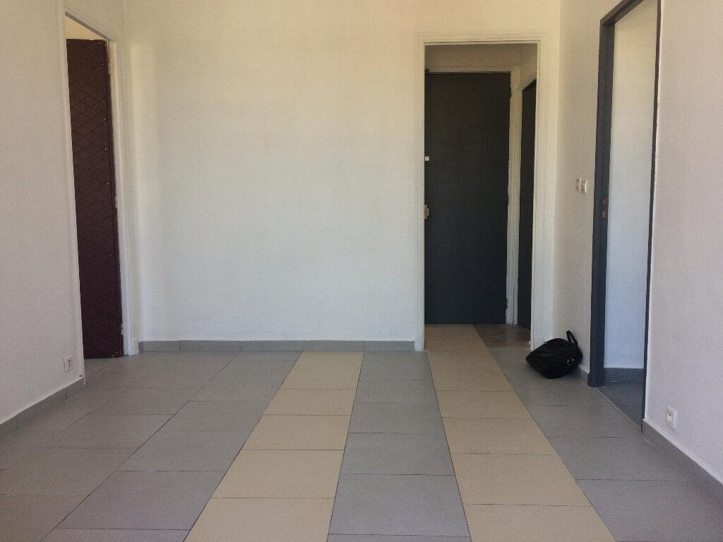 Appartement à louer 2 36.2m2 à Toulon vignette-2