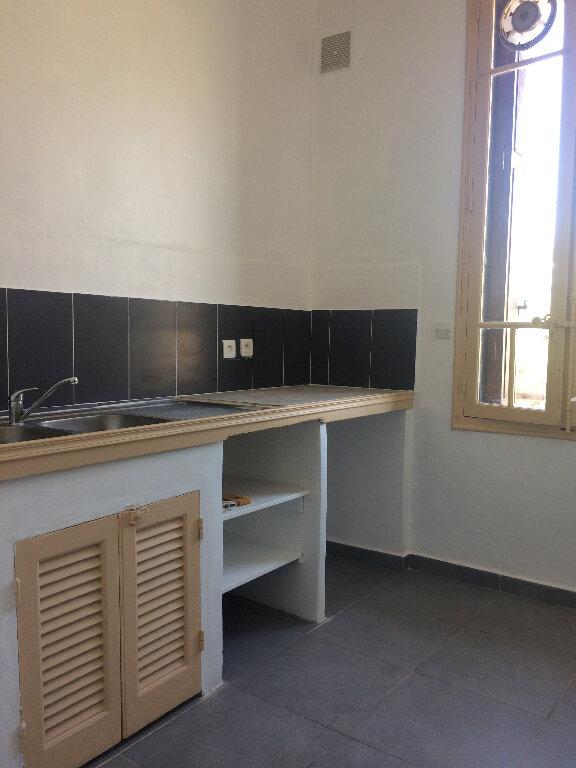 Appartement à louer 2 36.2m2 à Toulon vignette-3