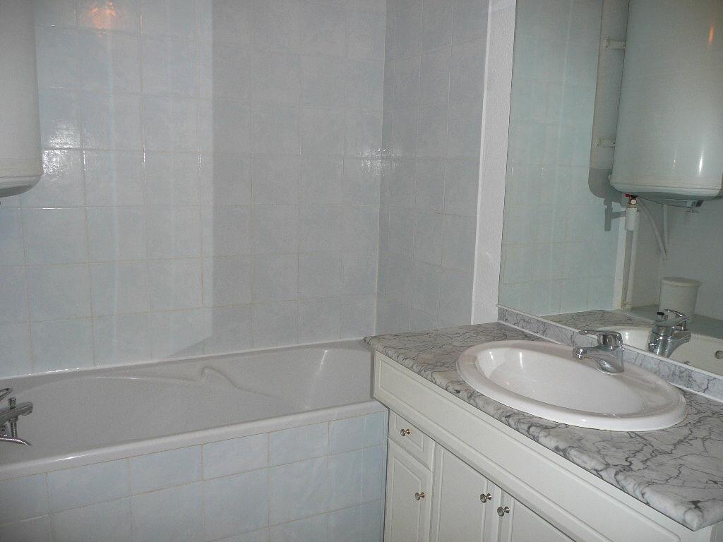 Appartement à vendre 2 27.19m2 à Sanary-sur-Mer vignette-5