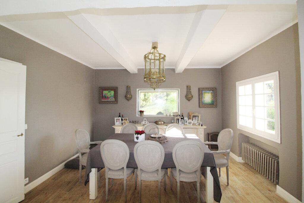 Maison à vendre 9 220m2 à Le Beausset vignette-4