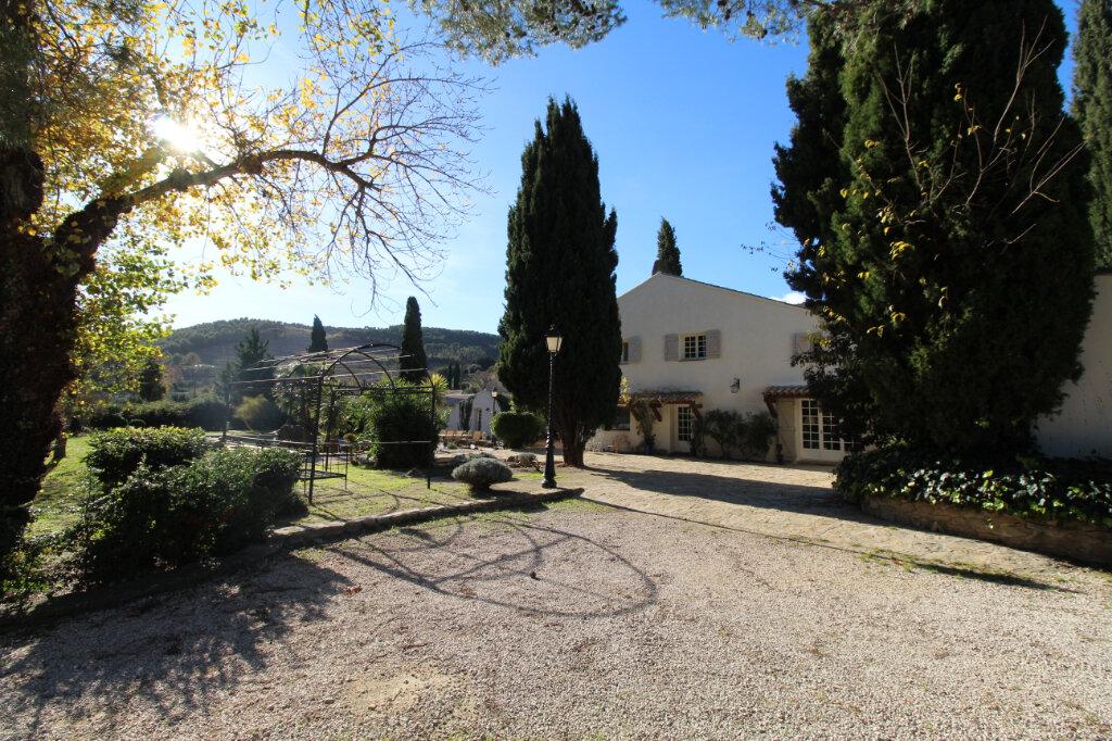 Maison à vendre 9 220m2 à Le Beausset vignette-5