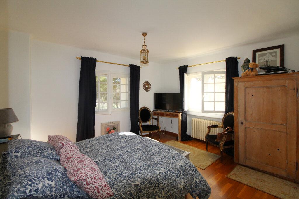 Maison à vendre 9 220m2 à Le Beausset vignette-13