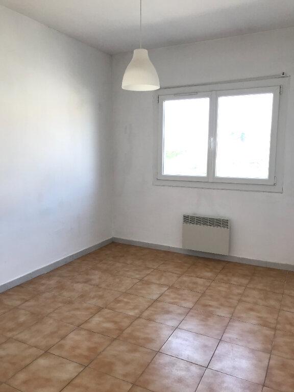 Appartement à louer 3 66m2 à La Seyne-sur-Mer vignette-5