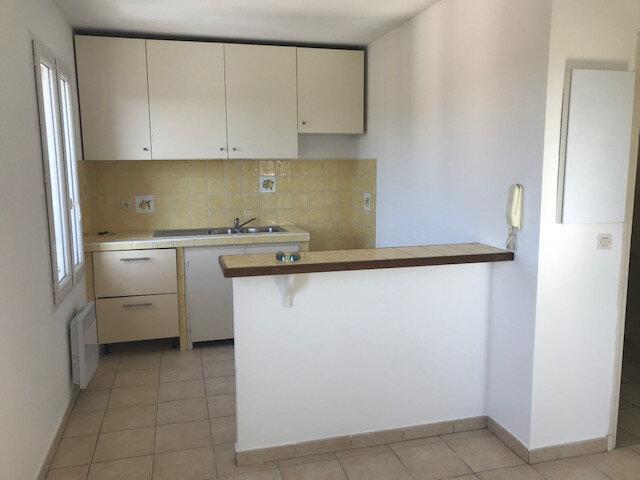 Appartement à louer 3 50m2 à La Cadière-d'Azur vignette-1