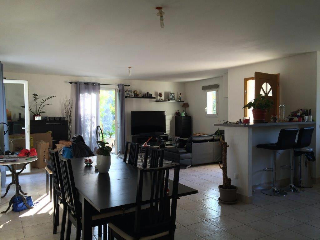 Maison à louer 4 92m2 à Évenos vignette-4