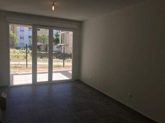 Appartement à louer 2 41m2 à Le Castellet vignette-4