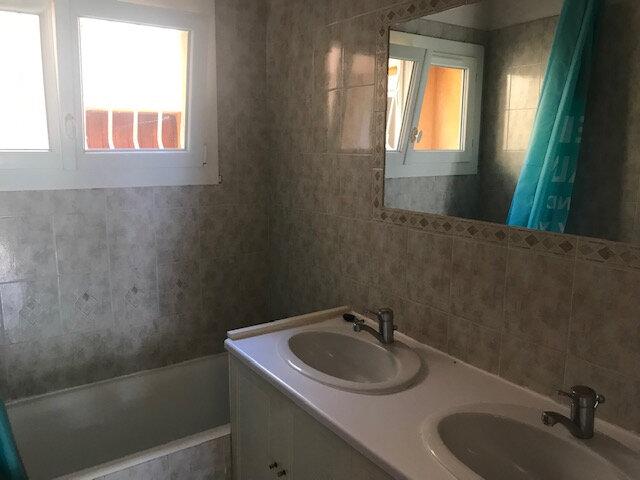 Maison à louer 5 110m2 à Le Beausset vignette-5