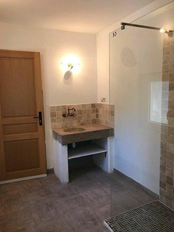 Appartement à louer 3 68m2 à Saint-Cyr-sur-Mer vignette-5