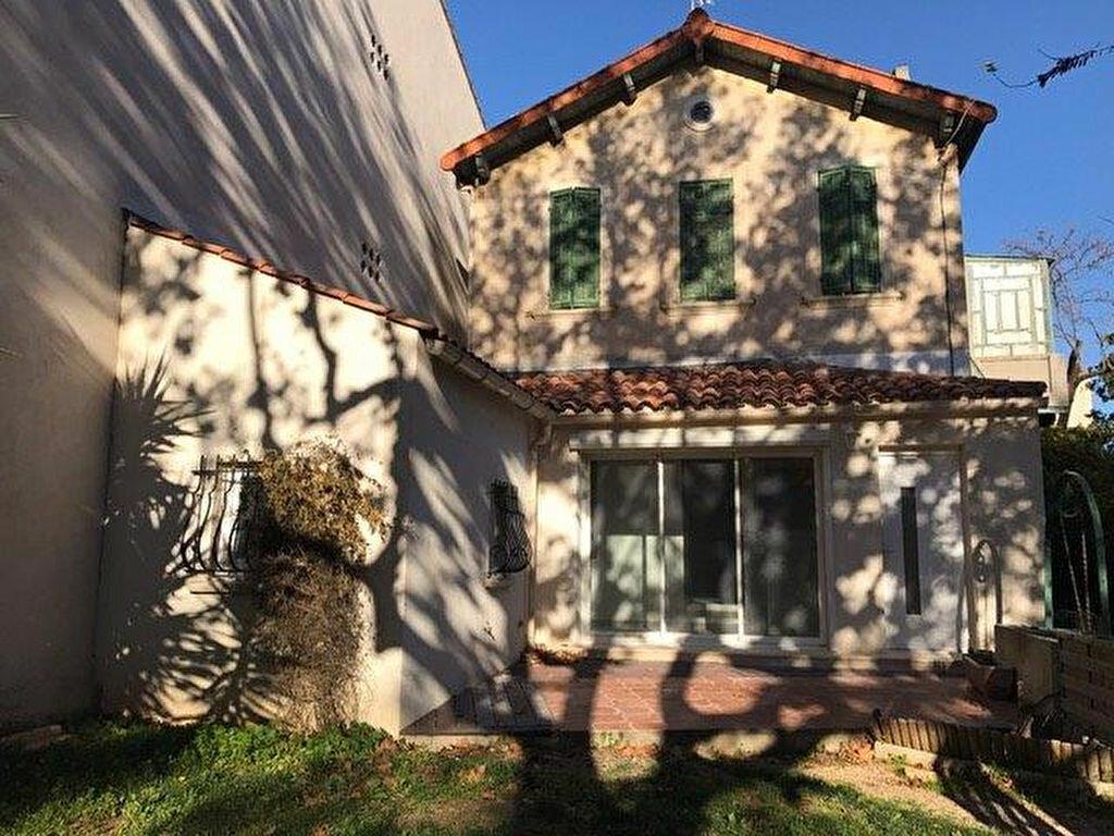 Appartement à louer 3 68m2 à Saint-Cyr-sur-Mer vignette-6