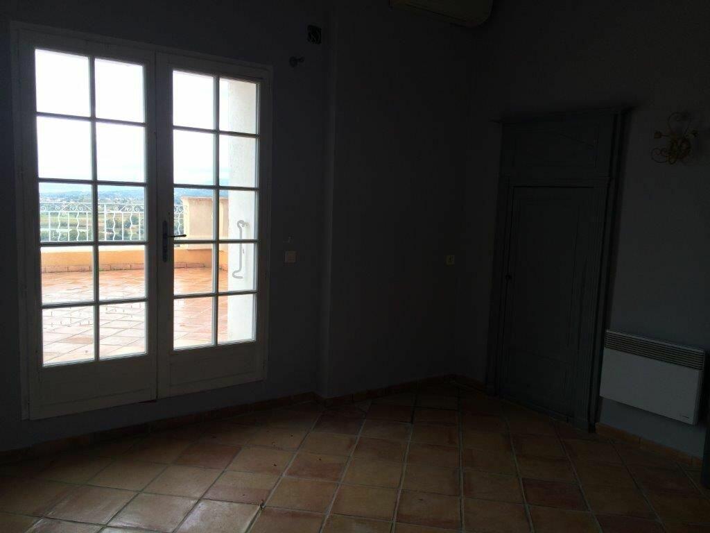 Maison à louer 7 213m2 à La Cadière-d'Azur vignette-5