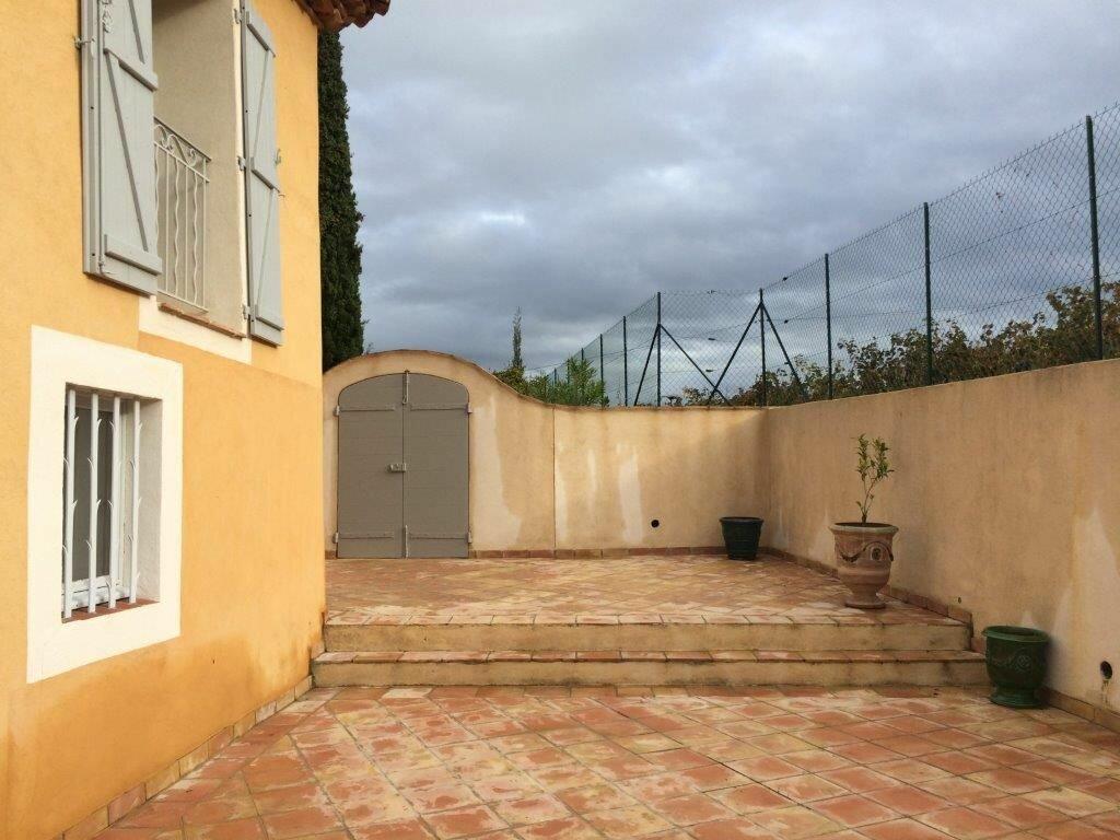 Maison à louer 7 213m2 à La Cadière-d'Azur vignette-11