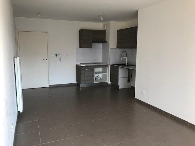 Appartement à louer 2 42m2 à Le Beausset vignette-2