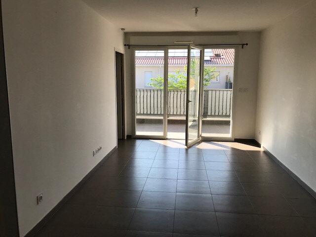 Appartement à louer 2 42m2 à Le Beausset vignette-3