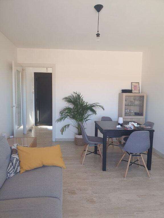 Appartement à louer 2 38.5m2 à Sanary-sur-Mer vignette-3