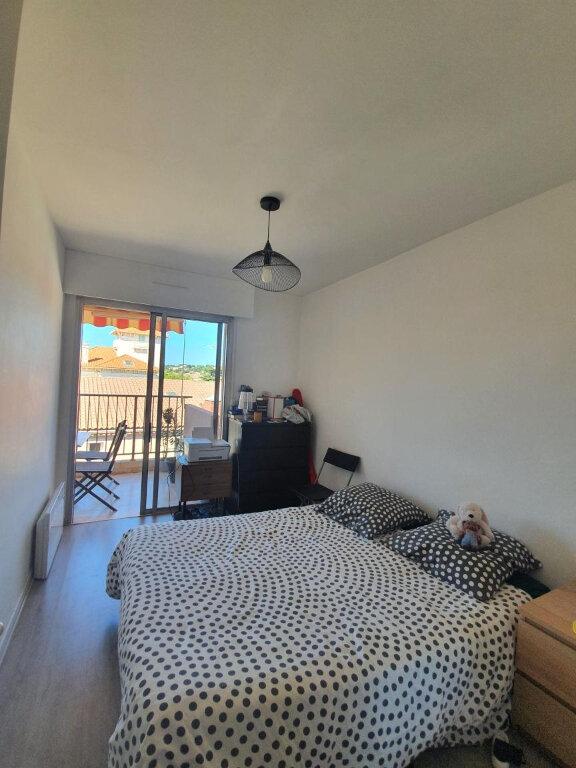 Appartement à louer 2 38.5m2 à Sanary-sur-Mer vignette-4