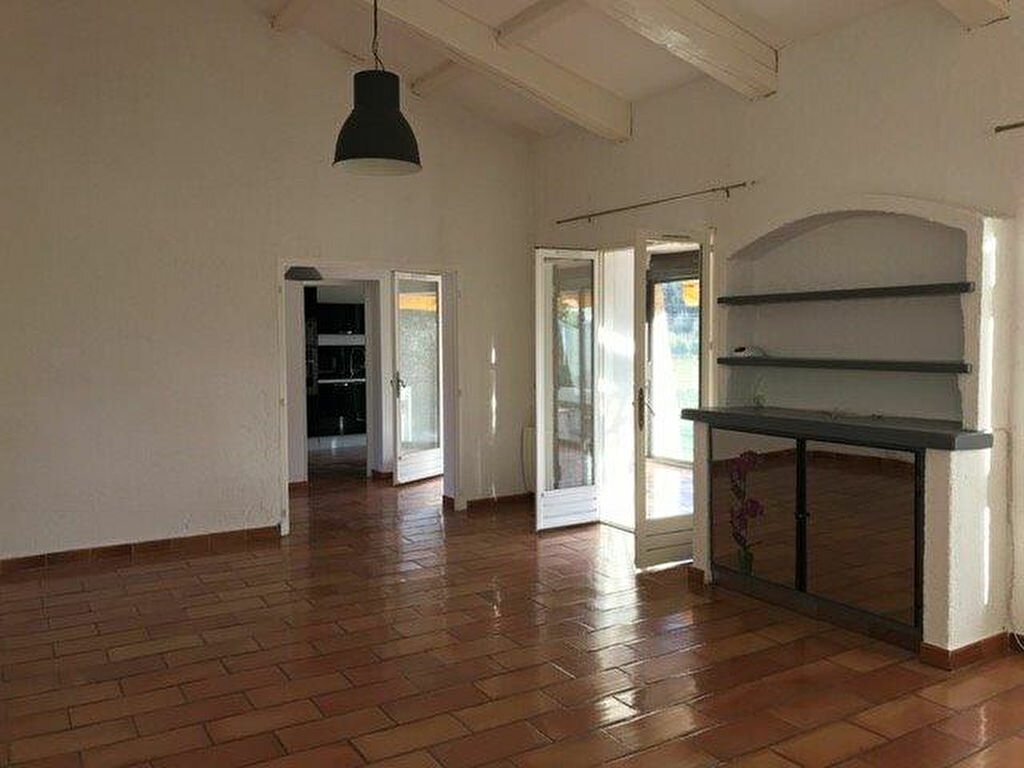 Maison à louer 4 90m2 à Le Castellet vignette-1