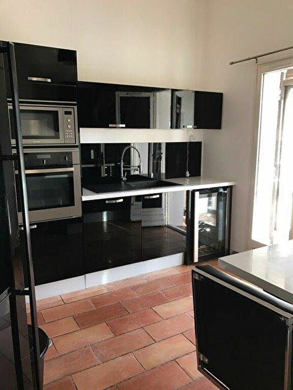 Maison à louer 4 90m2 à Le Castellet vignette-2