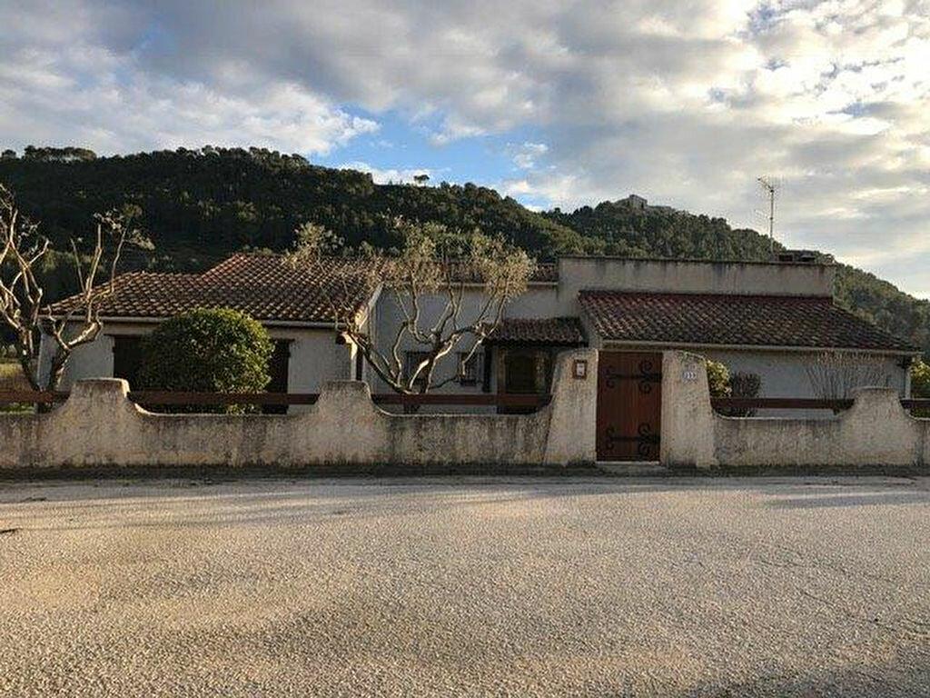 Maison à louer 4 90m2 à Le Castellet vignette-4