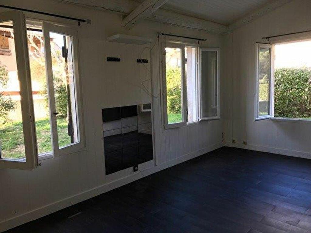 Maison à louer 4 90m2 à Le Castellet vignette-9