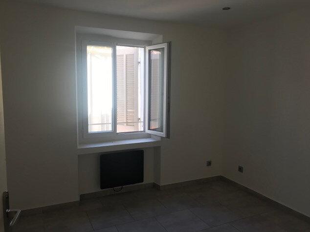 Appartement à louer 3 58m2 à Le Beausset vignette-3