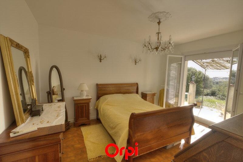 Maison à vendre 7 175m2 à Sanary-sur-Mer vignette-9