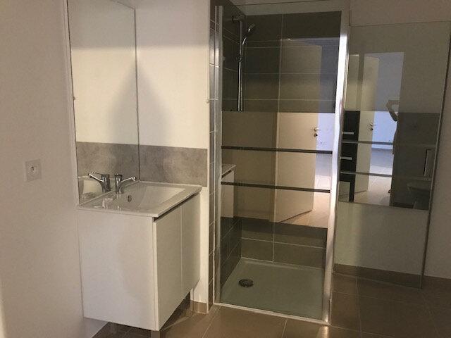 Appartement à louer 2 47m2 à Le Beausset vignette-3