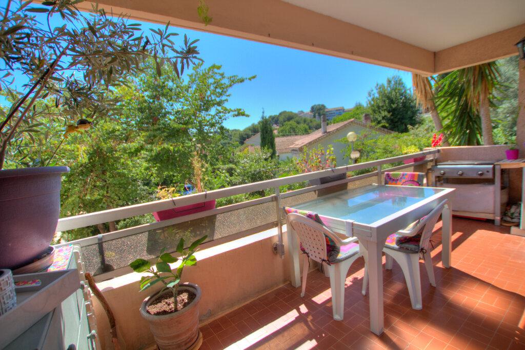 Appartement à vendre 4 81m2 à La Seyne-sur-Mer vignette-2