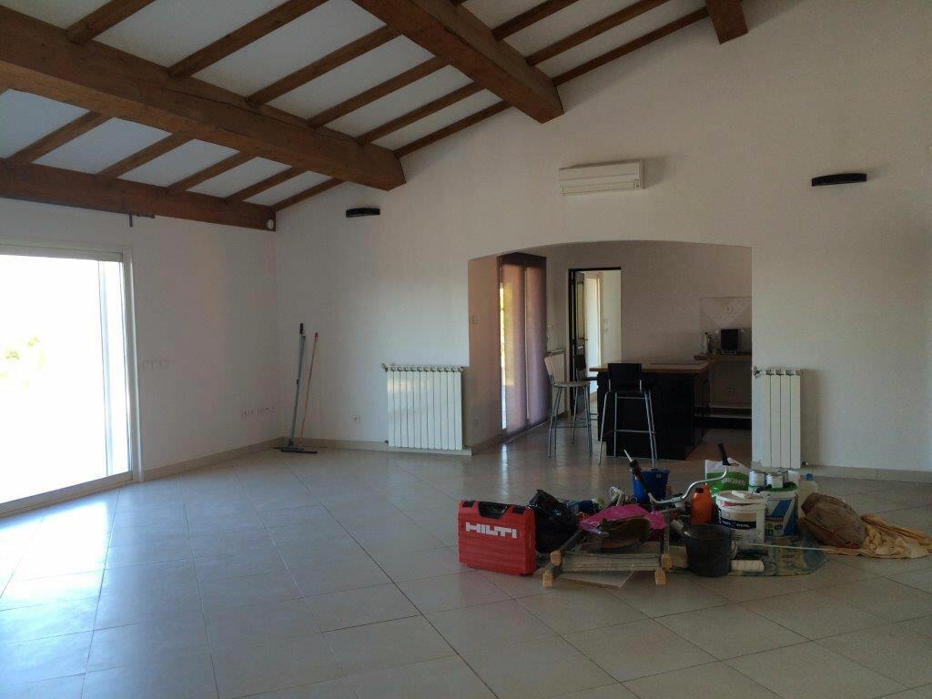 Maison à louer 4 170m2 à Le Beausset vignette-5