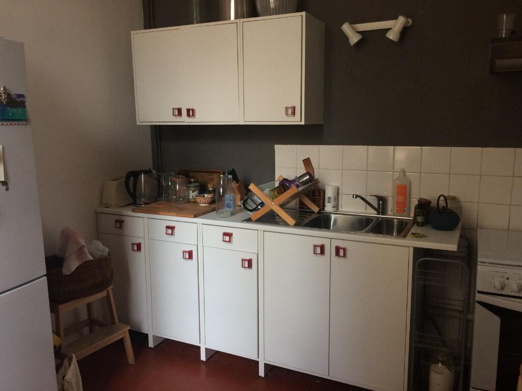 Appartement à louer 2 60m2 à Toulon vignette-8