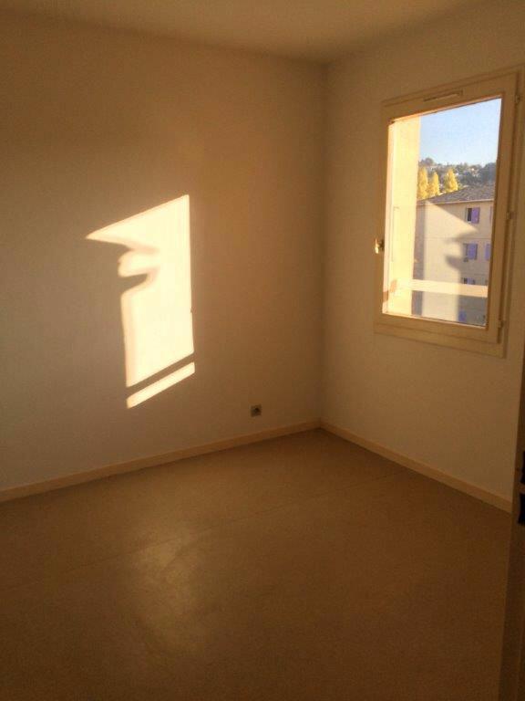 Appartement à louer 4 80m2 à Ollioules vignette-4