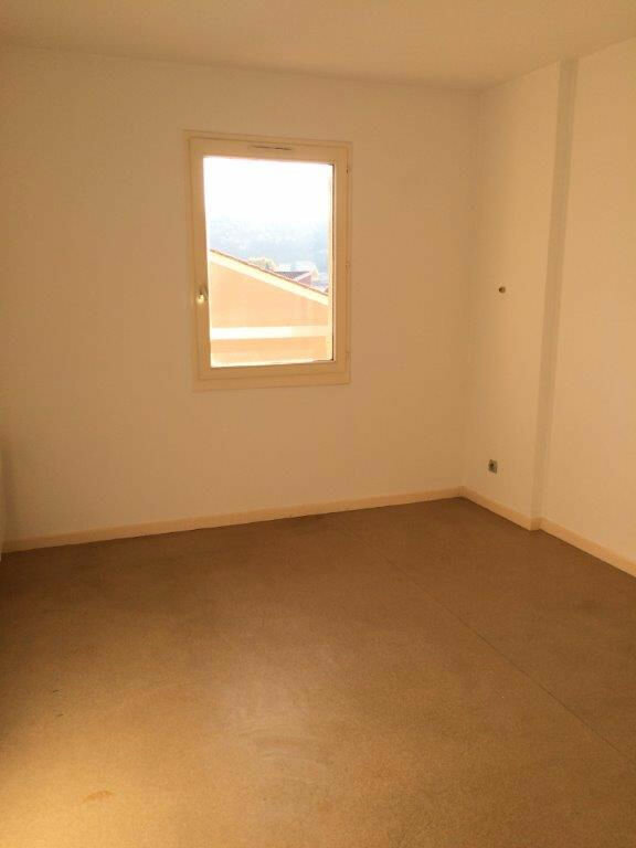 Appartement à louer 4 80m2 à Ollioules vignette-6