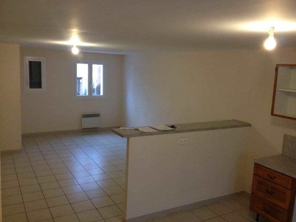 Maison à louer 3 74m2 à La Cadière-d'Azur vignette-3