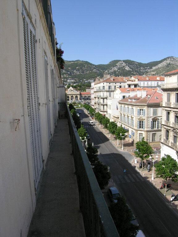 Appartement à louer 5 121.68m2 à Toulon vignette-1