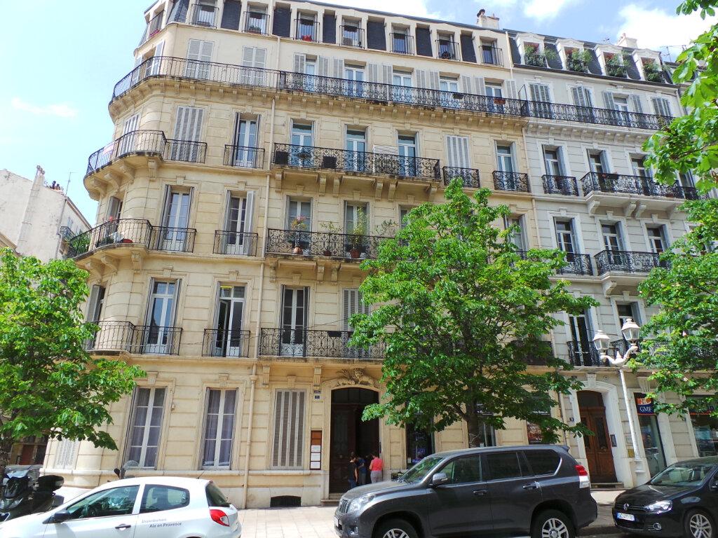 Appartement à louer 5 121.68m2 à Toulon vignette-2