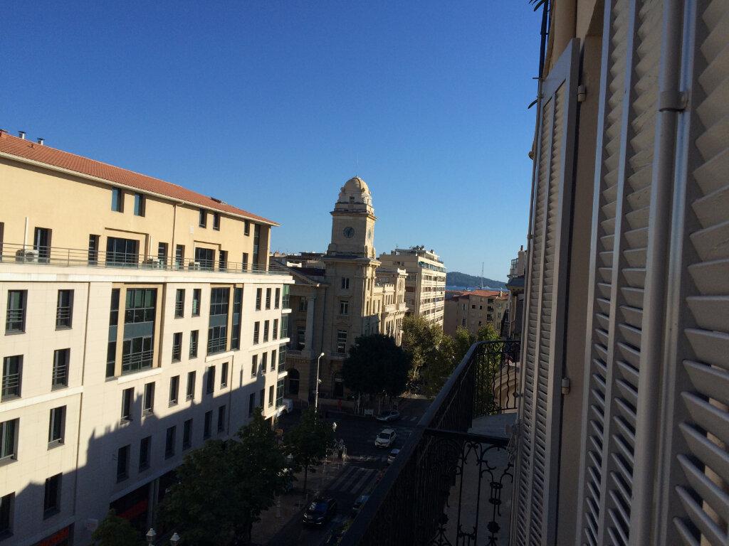 Appartement à louer 5 121.68m2 à Toulon vignette-3