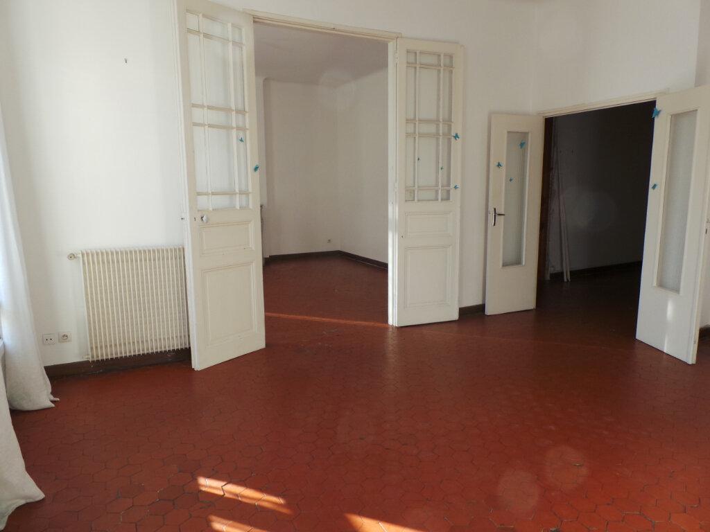 Appartement à louer 5 121.68m2 à Toulon vignette-5
