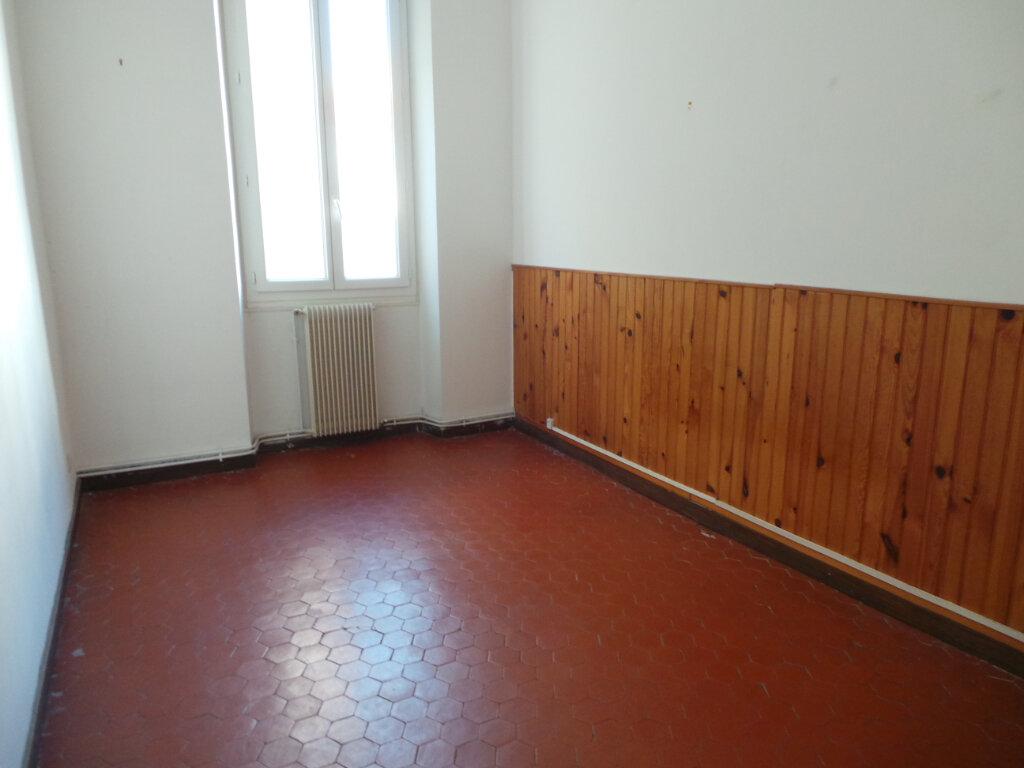 Appartement à louer 5 121.68m2 à Toulon vignette-9