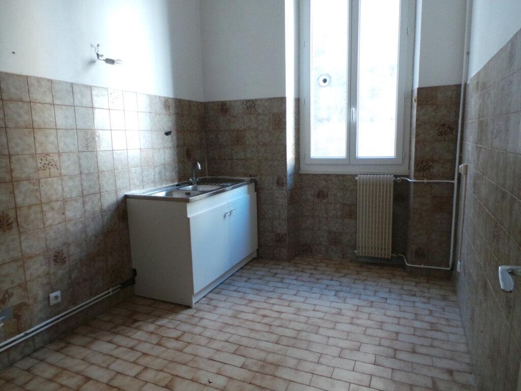Appartement à louer 5 121.68m2 à Toulon vignette-10