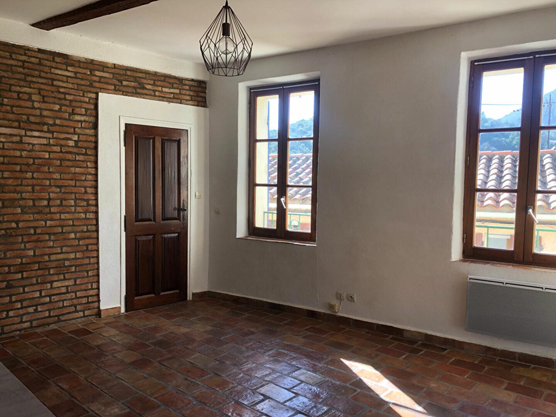 Appartement à louer 1 34.5m2 à Le Revest-les-Eaux vignette-1
