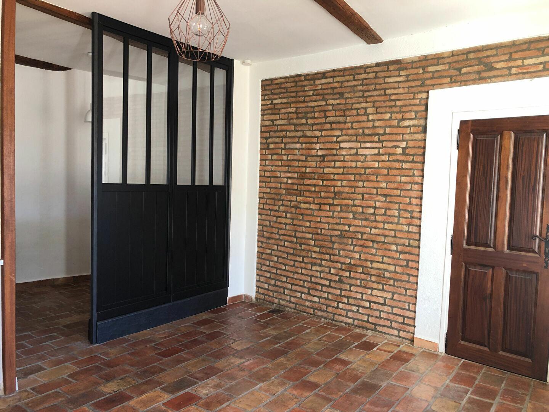 Appartement à louer 1 34.5m2 à Le Revest-les-Eaux vignette-2