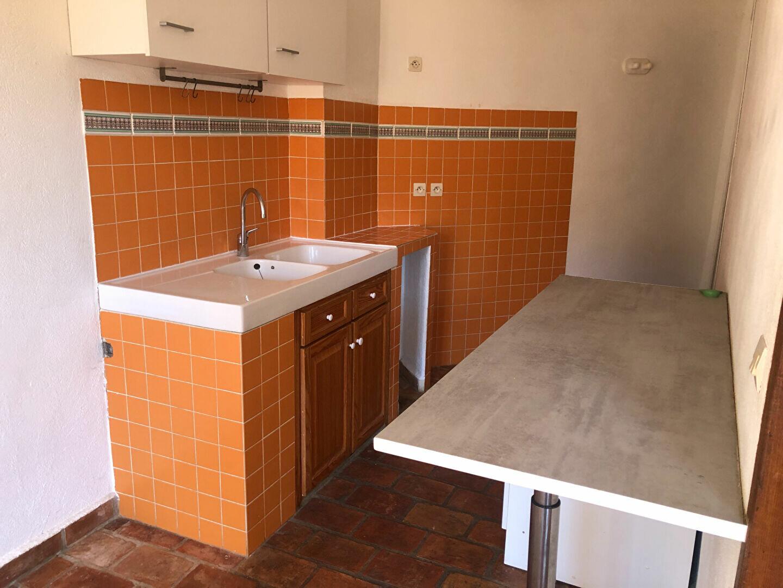 Appartement à louer 1 34.5m2 à Le Revest-les-Eaux vignette-4
