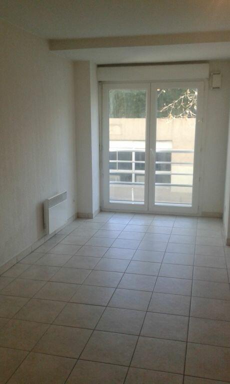Appartement à louer 2 41.35m2 à Toulon vignette-2