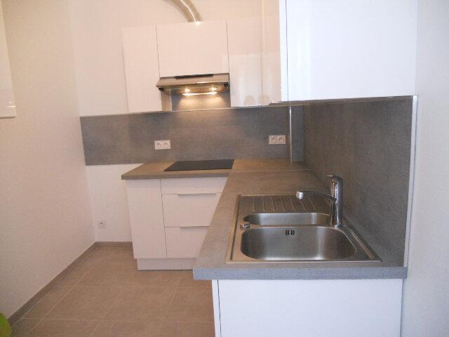 Appartement à louer 2 41m2 à Toulon vignette-2