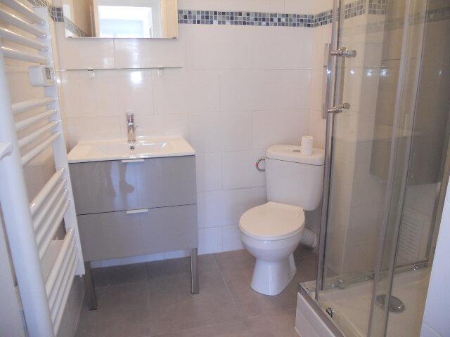 Appartement à louer 2 41m2 à Toulon vignette-3