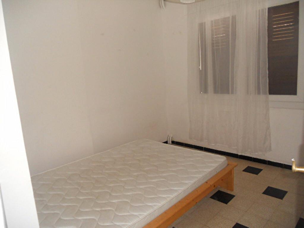 Appartement à louer 2 39m2 à Toulon vignette-4