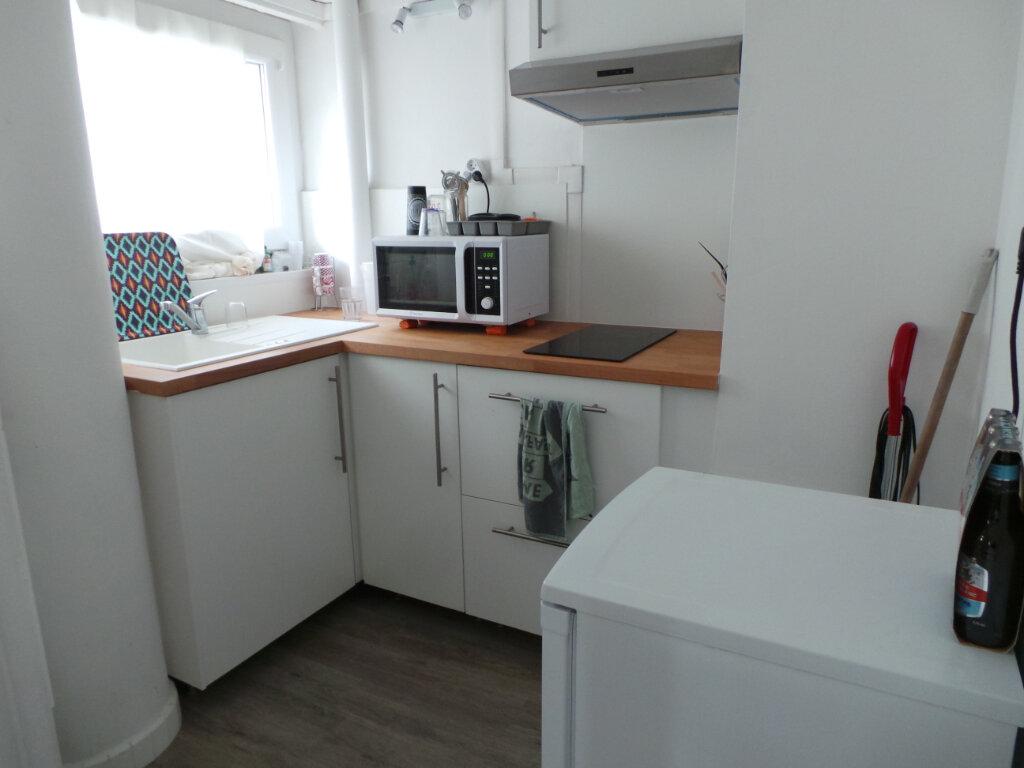 Appartement à louer 1 29.33m2 à Toulon vignette-5